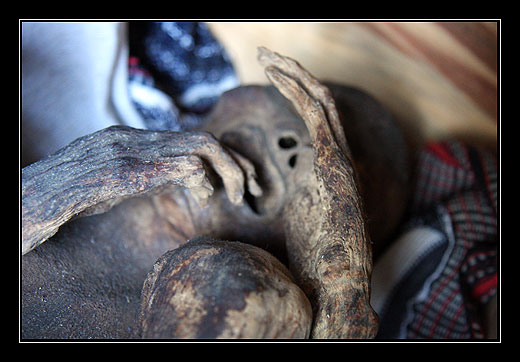 Mumie v jeskyni na konci meho treku